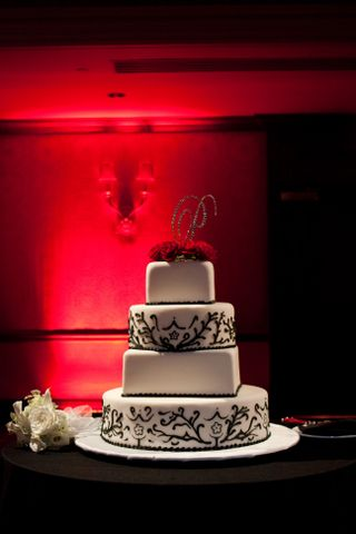 guests saw the magnificent 4tier black and white damask wedding cake